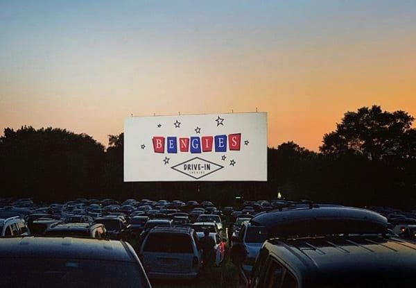 Bengies Drive In Theatre Not Allowed To Reopen As Other U S Drive Ins Make Comeback In 2020 Drive In Theater Drive In Movie Theater Comebacks