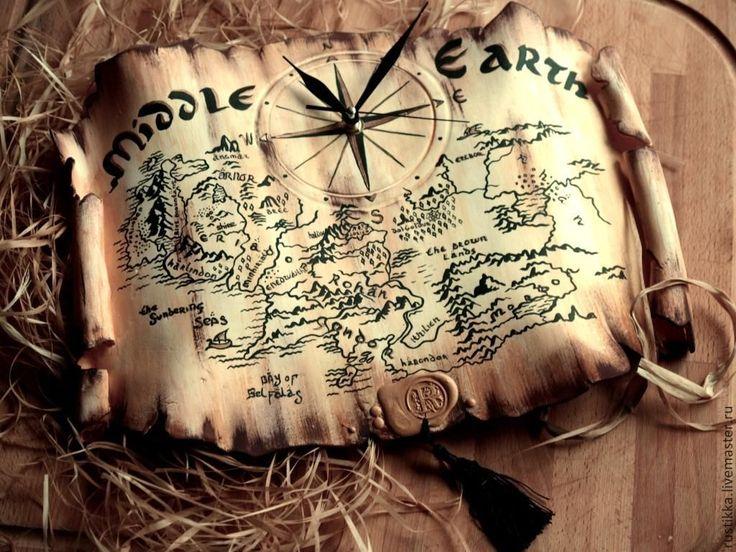 """Купить Настенные часы """"Карта Средиземья"""" - бежевый, карта, карта мира, карта средиземья"""