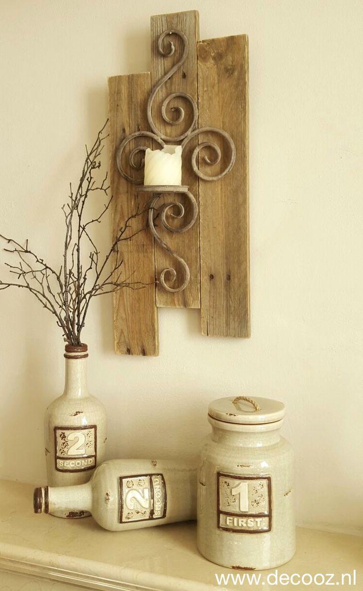 Houten wandbord met ornament