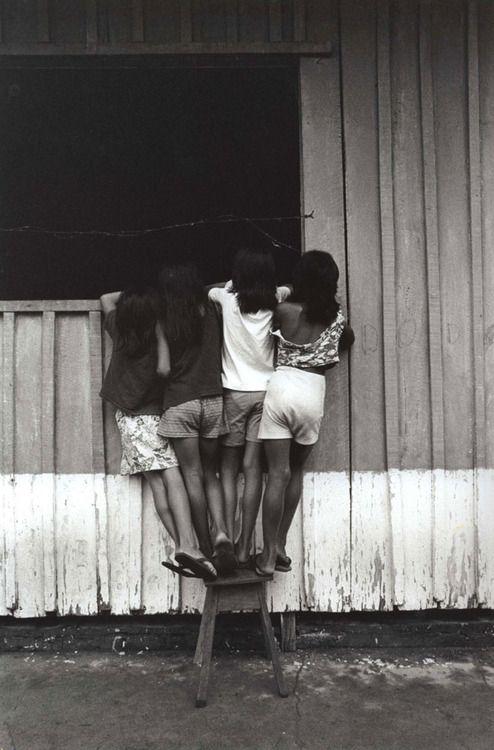 Pedro Martinelli | play | window | black & white | photography | cute | love…                                                                                                                                                                                 More