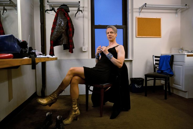 John Cameron Mitchell Stars in 'Hedwig and the Angry Inch' on Broadway - NYTimes.com
