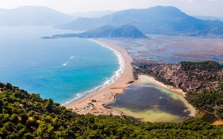 Der #Iztuzu #Strand in #Dalyan ist naturgeschützt und beherbergt #Meeresschildkröten © shutterstock