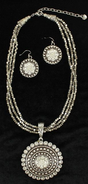 (MFW30652) Western Silver/Rhinestone Round Pendant Necklace and Earrings
