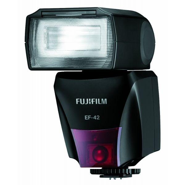#Fujifilm EF-42 Shoe Mount #vaku - Erőteljes és sokoldalú a Fujifilm EF-42 típusú vakuja, amely alkalmas a FinePix HS20EXR és a X100 kamera teljes körű TTL vezérléséhez.A pontos megvilágítás érdekében a vaku fejet 90 ° felfelé, 180 ° balra és 120 ° jobbra lehet forgatni alkalmazkodva a különböző felvételi körülményekhez.