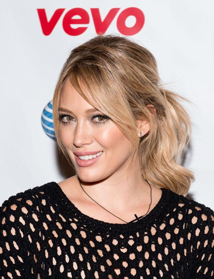 Side fringe hairstyles: Hilary Duff - CosmopolitanUK