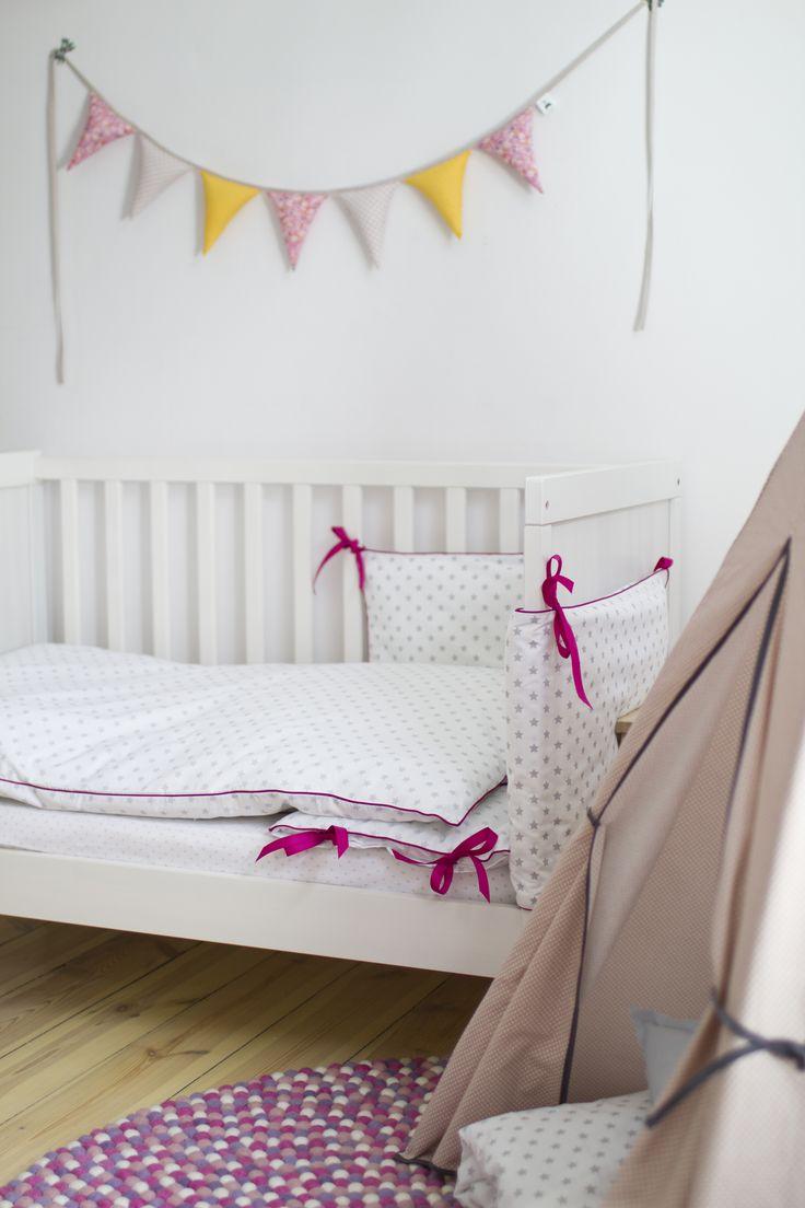 Kolekcja Gwiazdkomania Amarant/pościel dziecięca i ochraniacz do łóżeczka