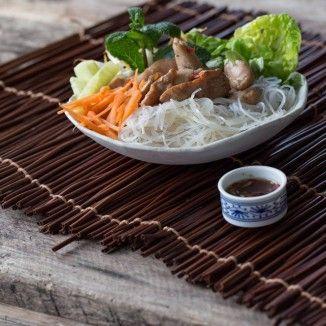 Vietnamesischer Hähnchen-Nudel-Salat
