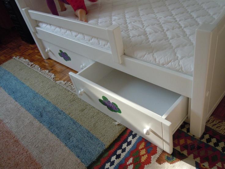 Bonita ágy kétfiókos ágyneműtartóval