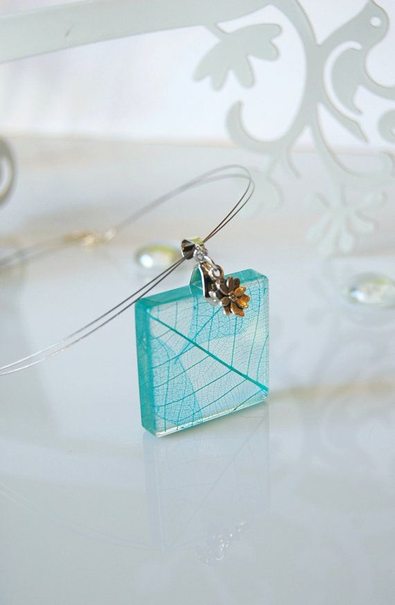 resin earring with skeleton leaf