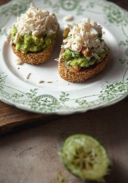 Tartine de guacamole & de crabe