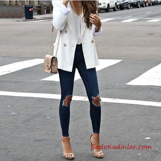 2019 Sik Kombinler Lacivert Yirtik Kot Pantolon Beyaz Bluz Beyaz Uzun Ceket Kahverengi Stiletto Ayakkabi Moda Stilleri Yirtik Kotlar Skinny