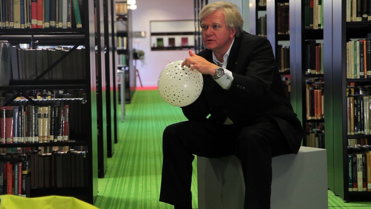 EU-UNAWE is starting a new series of educational videos. First guest was no other than 2011 Physics Nobel prize winner Brian Schmidt! http://www.unawe.org/updates/unawe-update-1276/