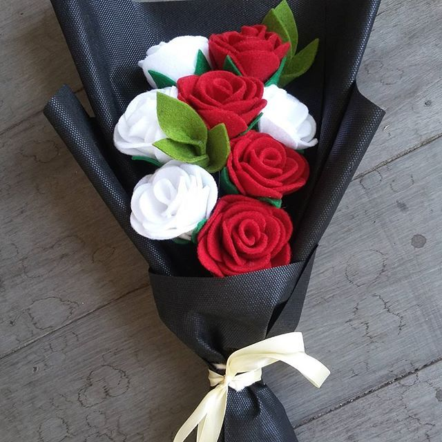 . For order  Wa = 082154126919 Line =khoirun14 #bungaflanel #bunga #bungaflanelbanjarmasin #bungaflanelbjm #bungaflanelbanjarbaru #bungaflanelmartapura #bungawisuda #bungahandmade #handcraft #souvenir #souvenirwisuda #mhsulm #mahasiswaunlam #fisipbungas #flower #feltbouquet #bouquet #wedding #mhsuniska #uniska #mhsumb #mshuinantasari
