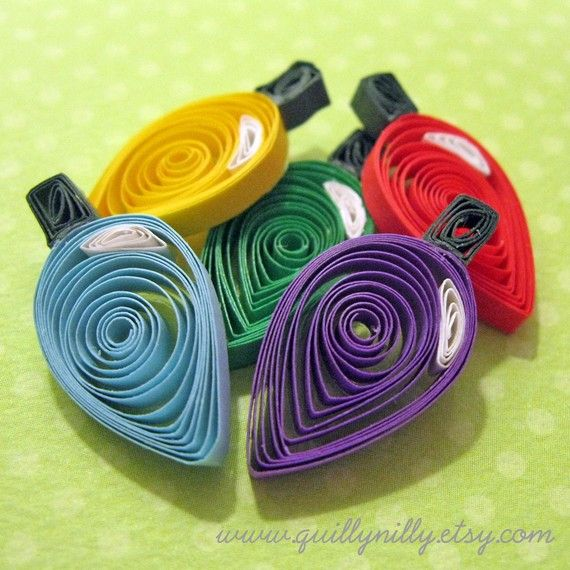 Paper Quilled Set 5 Christmas Lights with Strand by QuillyNilly