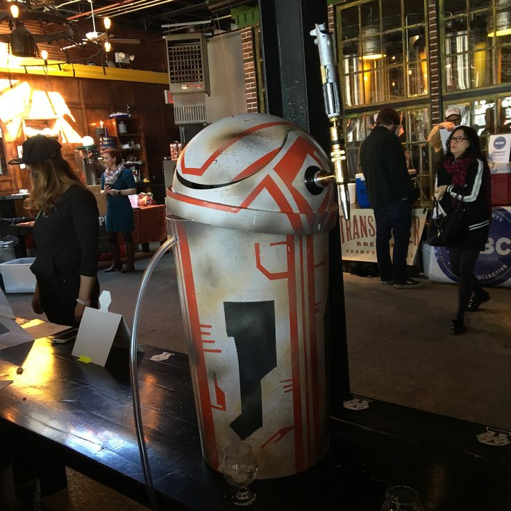 I made a beer-dispensing Star Wars droid out of a trash can. (#QuickCrafter)