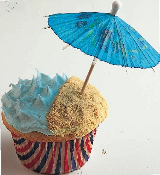 """By The Beach Cupcake.....This Looks Really Cute If You Put A Swedish Fish Sticking Out Of The """"Ocean"""" Icing"""