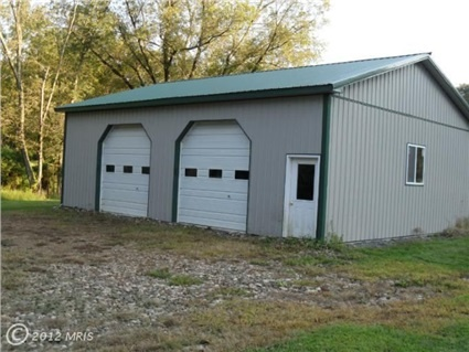 Best 25 30x40 pole barn ideas that you will like on for Pole barn house with basement