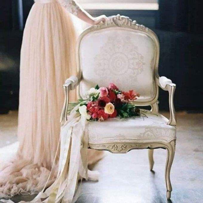 أ غازلها و عيني لا تراها ولم أسمع ولا همسا صداها أراها في الفؤاد ملاك ط هر ت حي رني خيالا م قلتاها بأهد Wedding Dresses Lace Decor Home Decor