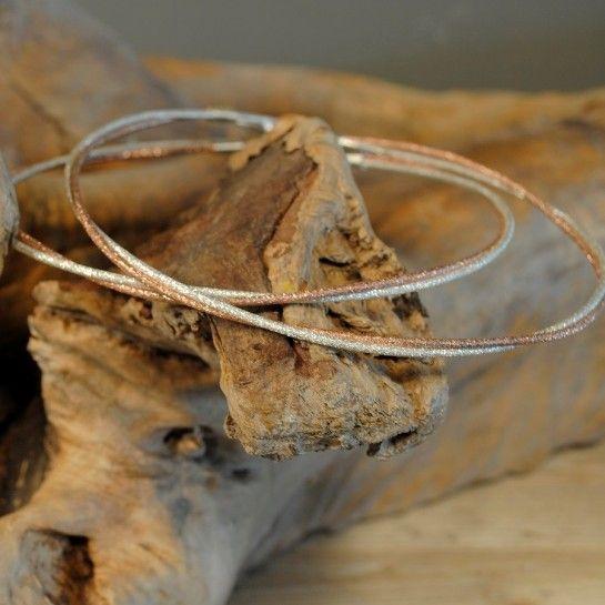 Ασημένια Στέφανα Γάμου Δίχρωμα Δύο Βέργες Η Μία Ροζ Χρυσό Σαγρέ http://nedashop.gr/gamos/stefana-gamoy/asimenia-stefana-gamou-roz-xryso-035