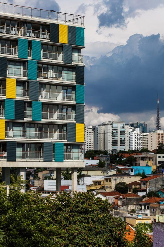 Vila Madalena, un barrio bohemio de São Paulo, es uno de los lugares más tradicionales de la ciudad. Congregando edificios residenciales, tiendas, restaurantes y oficinas, es un buen ejemplo de un barrio de uso mixto con una vida urbana múltiple e intensa.