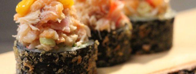 Maki frit au guacamole, coriandre et fruits de mer / Sushi à la folie