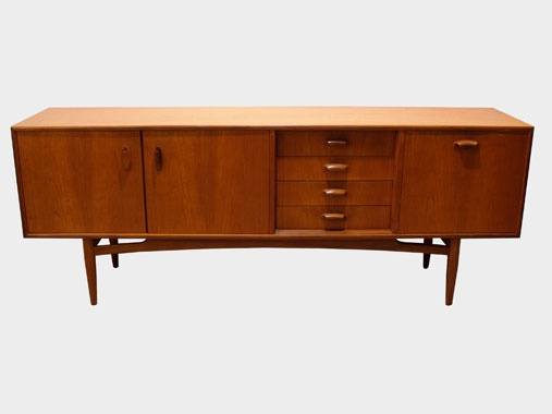 mid-century sideboard - I need this!