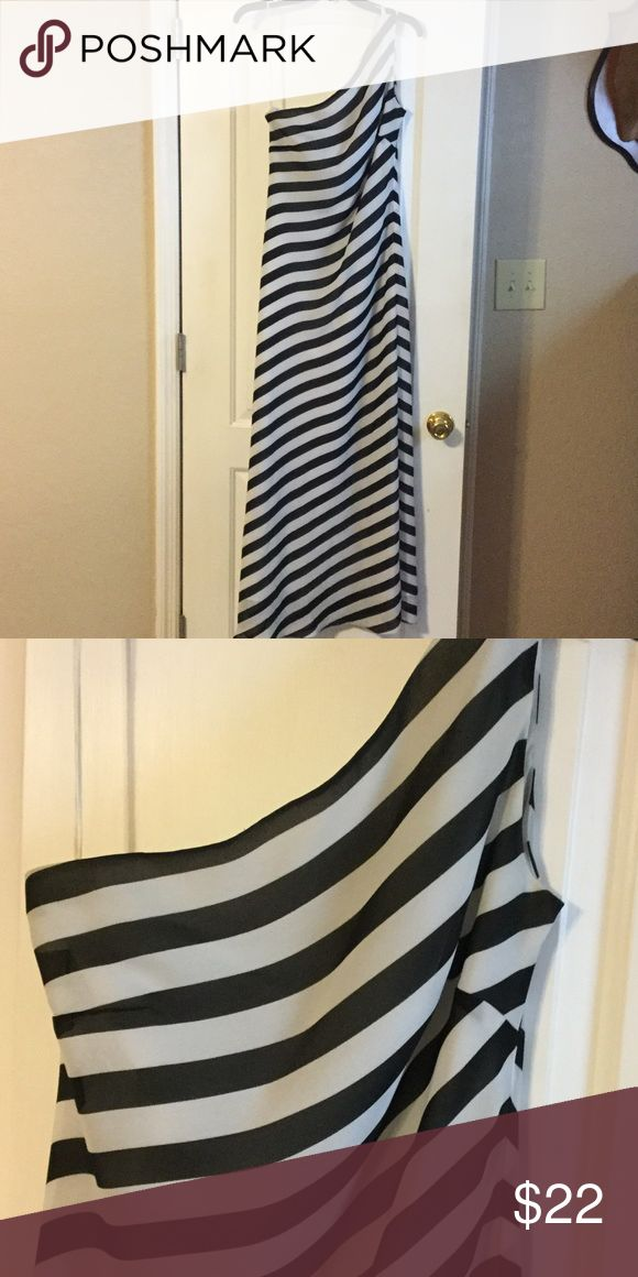 Black striped prom dress Black and white, simple, one shoulder, gown. Jessica Howard Dresses Prom