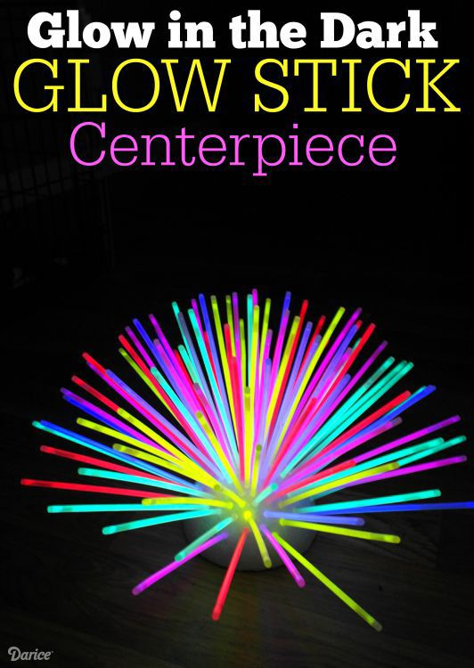 Make a fun DIY glow stick centerpiece that's perfect for outdoor entertaining!
