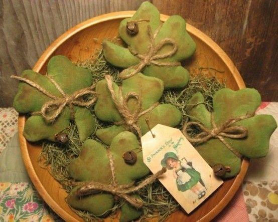 Shamrock bowl fillers from OldeAnniePrimitives