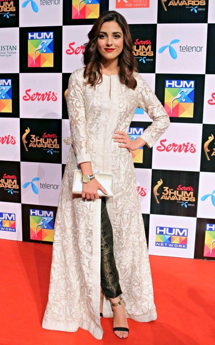 allthingspakistanicelebs: Maya Ali at Hum Awards, 2015