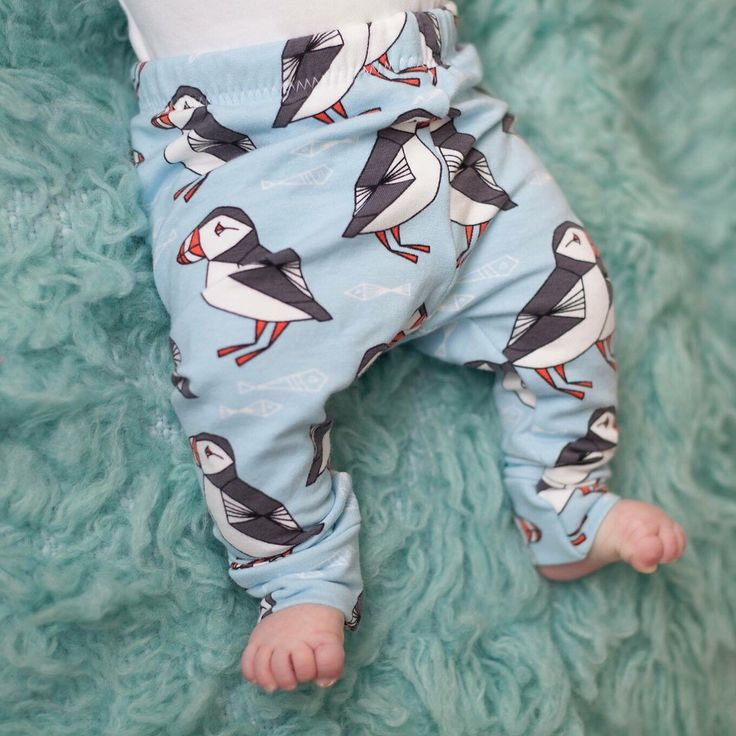 Organic Puffin Baby Leggings - Winter Leggings - Baby Jogging Bottoms - Warm Baby Trousers - Unisex Trousers - Unisex baby Clothes - pants by LottieandLysh on Etsy https://www.etsy.com/uk/listing/258817760/organic-puffin-baby-leggings-winter