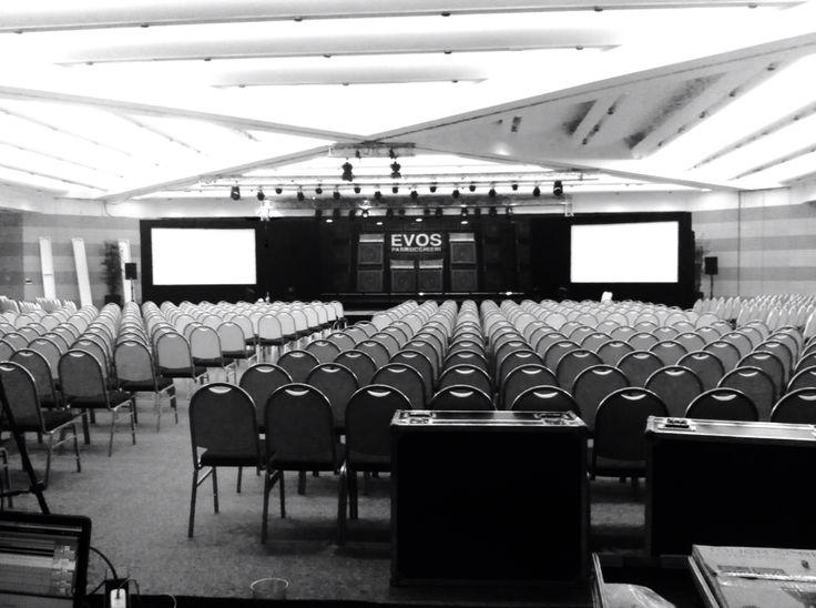 #evosrockinfashion palco in progress!!! @evos_italia