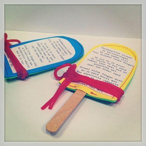 Prettige vakantie! We wensten alle klasgenootjes een fijne zomer met deze zelfgemaakte ijsjes kaarten. Ook leuk als uitnodiging!