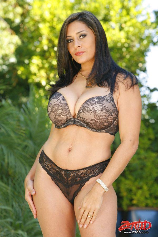 Maui my wife naked