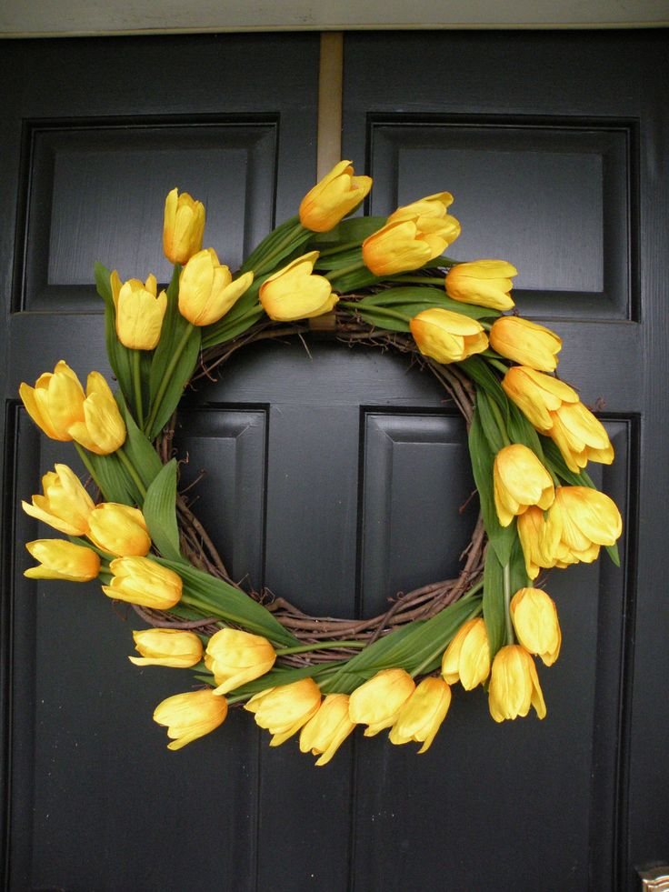 This wreath is made to order.    Perfect Wreath for Spring and Summer! Shows up great from the street! Makes a great Mothers Day or housewarming