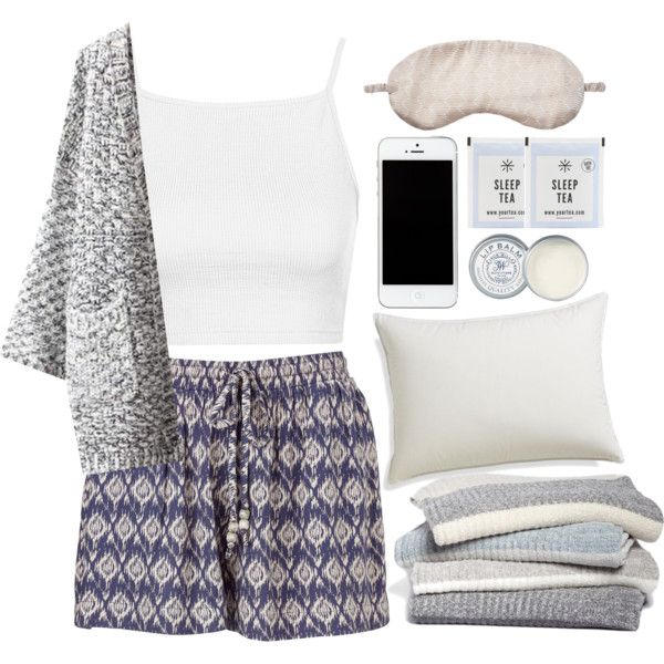 A fashion look from November 2015 featuring Topshop tops, Chicnova Fashion coats and Accessorize shorts. Browse and shop related looks.