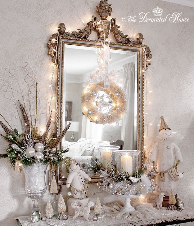 Elegant And Neutral Christmas Foyer: Love The Wreath Hanging From The Christmas Lights On