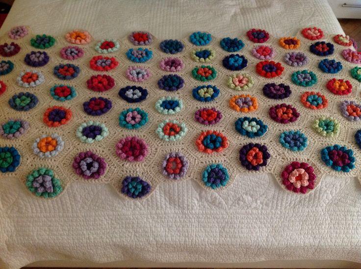 Pie de cama con flores