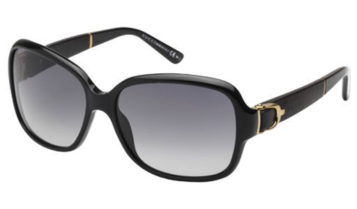 The GG3637/S women's Gucci sunglasses portray a sense of luxury and extravagance with their full Havana shell frames and the Gucci stamp and beautifully structured Gucci stirrup prominently displayed on the contrasting beige temples. The glamorous woman can polish her image to perfection by converting these Gucci shades to prescription glasses through our unique prescription (Rx) program.