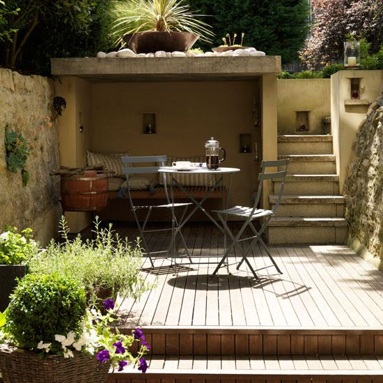 Secret sunken seating area and den garden secret garden for Small sitting area ideas