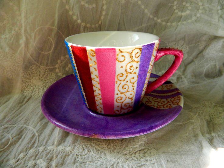 Coffee/tea cup hand painted by Handmade Sister (www.handmadesister.blogspot.com)
