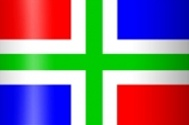 The provincial flag is set in 1950. Also the flag refers to city and Ommelanden. The red and blue corner areas refer to the colors of the Ommelanden, the central green cross refers to the city and the trade relationship that the city had in the middle ages with the Scandinavian countries. However, unlike the Scandinavian model, the cross at the Groninger flag in the middle. This highlights the central position of the city of Groningen in the present and the past.