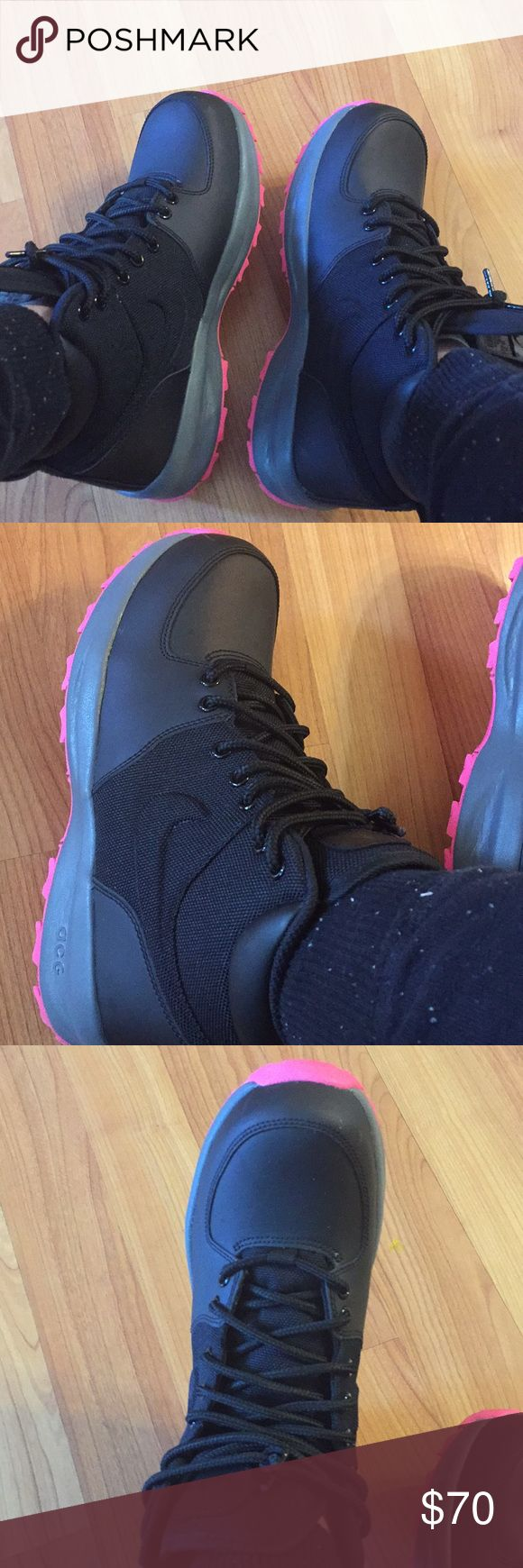 Nike acg boot Brand new with box. Wore twice but they are a bit big on me. Nike ACG Shoes Winter & Rain Boots
