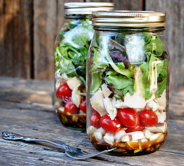 I love this idea for packing a salad lunch! Dressing at bottom, nothing gets wilted, and it looks so pretty! :)