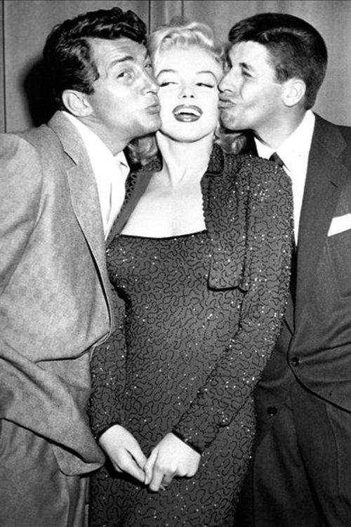 Dean Martin & Jerry Lewis kissing Marilyn Monroe