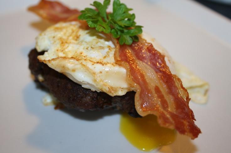 Hakkedreng m. æg og bacon - SannaBananas Stenalderkost | SannaBananas Stenalderkost