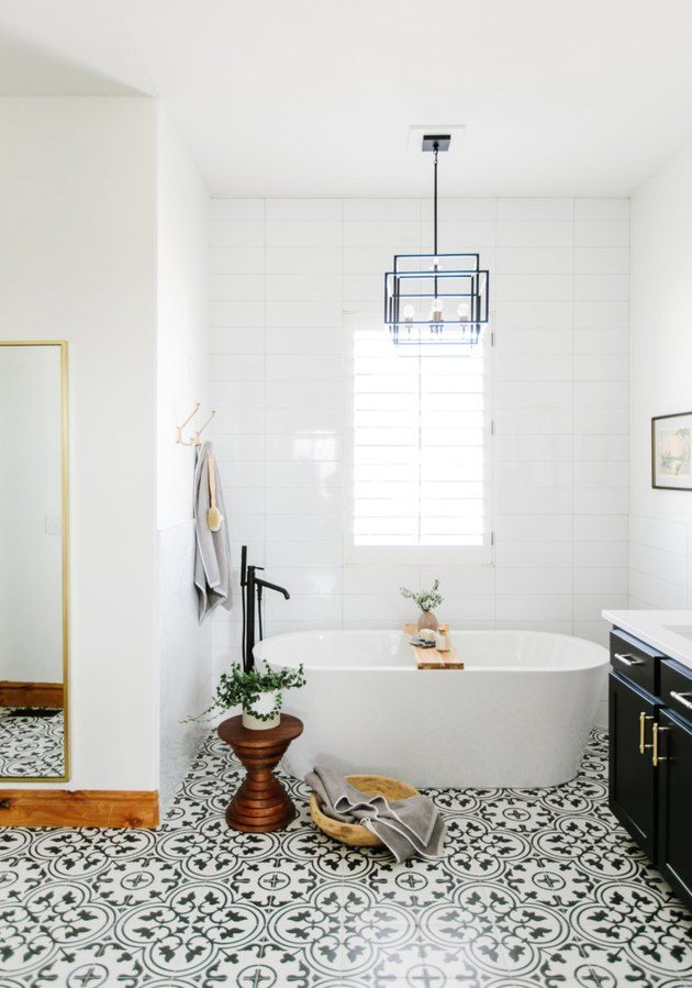 These Bathroom Chandelier Lighting Ideas Are An Easy Way To Add Dramatic Flair Hunker White Bathroom White Bathroom Designs Small Bathtub