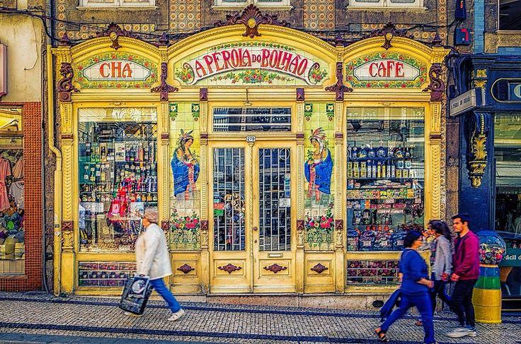 É uma das mais antigas mercearias do Porto e ainda hoje resiste, com persistência, arte e engenho, ao passar dos anos. Falamos da Pérola do Bolhão.