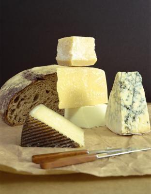 ¿Qué quesos contienen cuajo animal? | eHow en Español