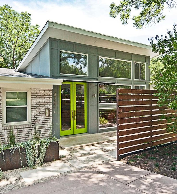 Originally built in the 1950s, this renovation on Finley Drive opens up spaces and presents interesting lighting throughout. The architect of the house is Stephen Zagorski. I like this one because it shows a great example of how a 1970's ranch can be opened up and renovated!
